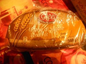 Il pane nero, o pane di segale, è un tipo di pane di colore più scuro, usato in sostituzione al pane bianco, soprattutto nelle regioni di lingua tedesca e scandinava.Ottimo nelle diete e amico del nostro intestino